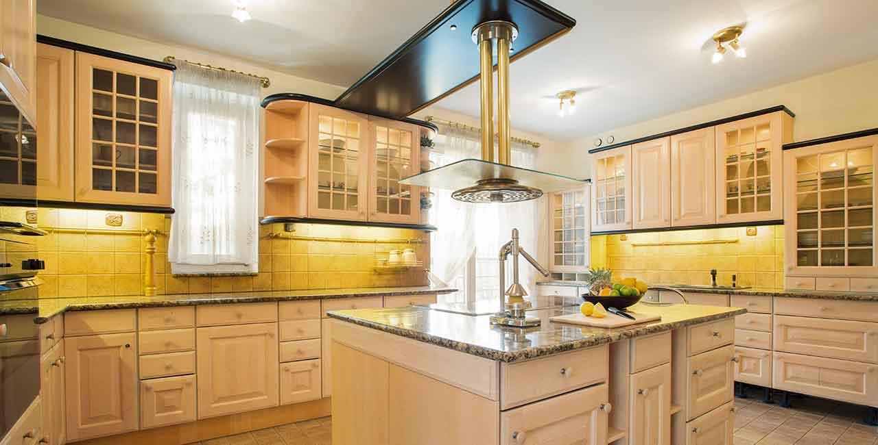 Biright-yellow-beige-large-kitchen