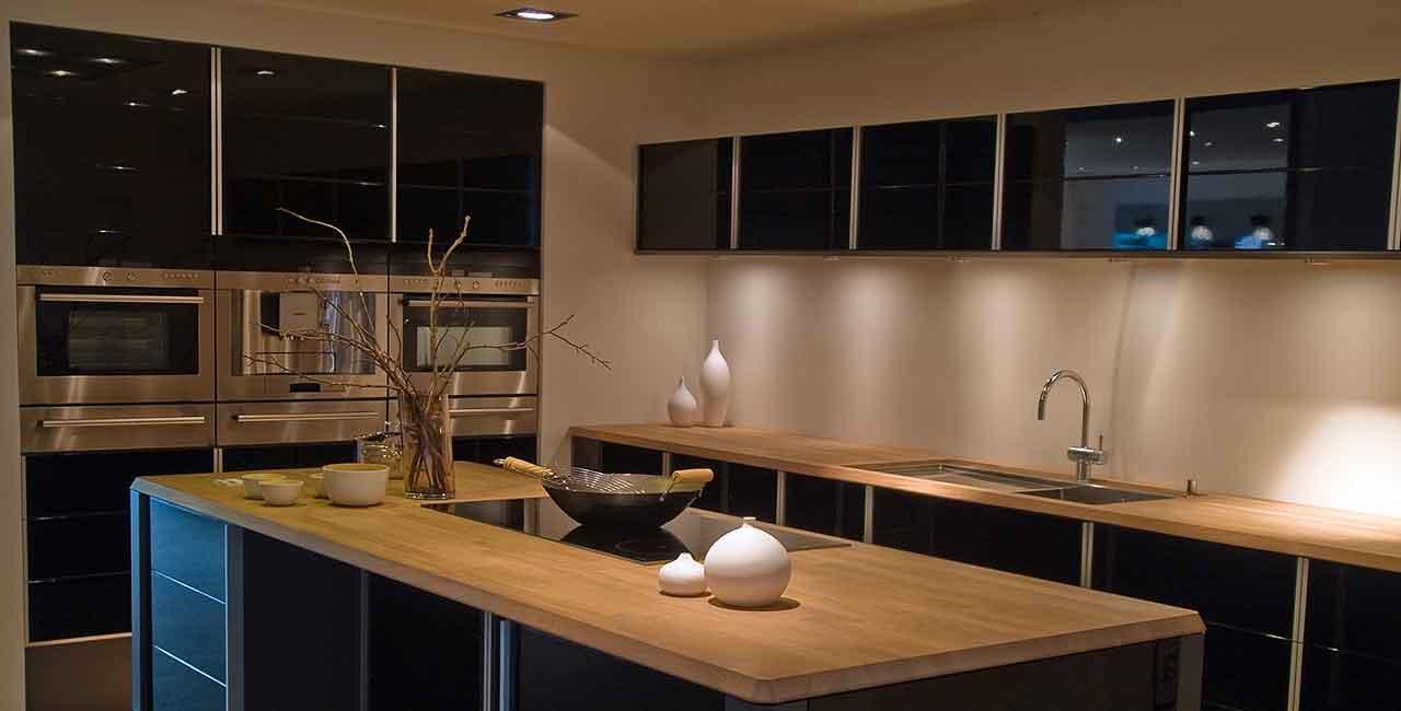Browns-and-beige-modern-kitchen
