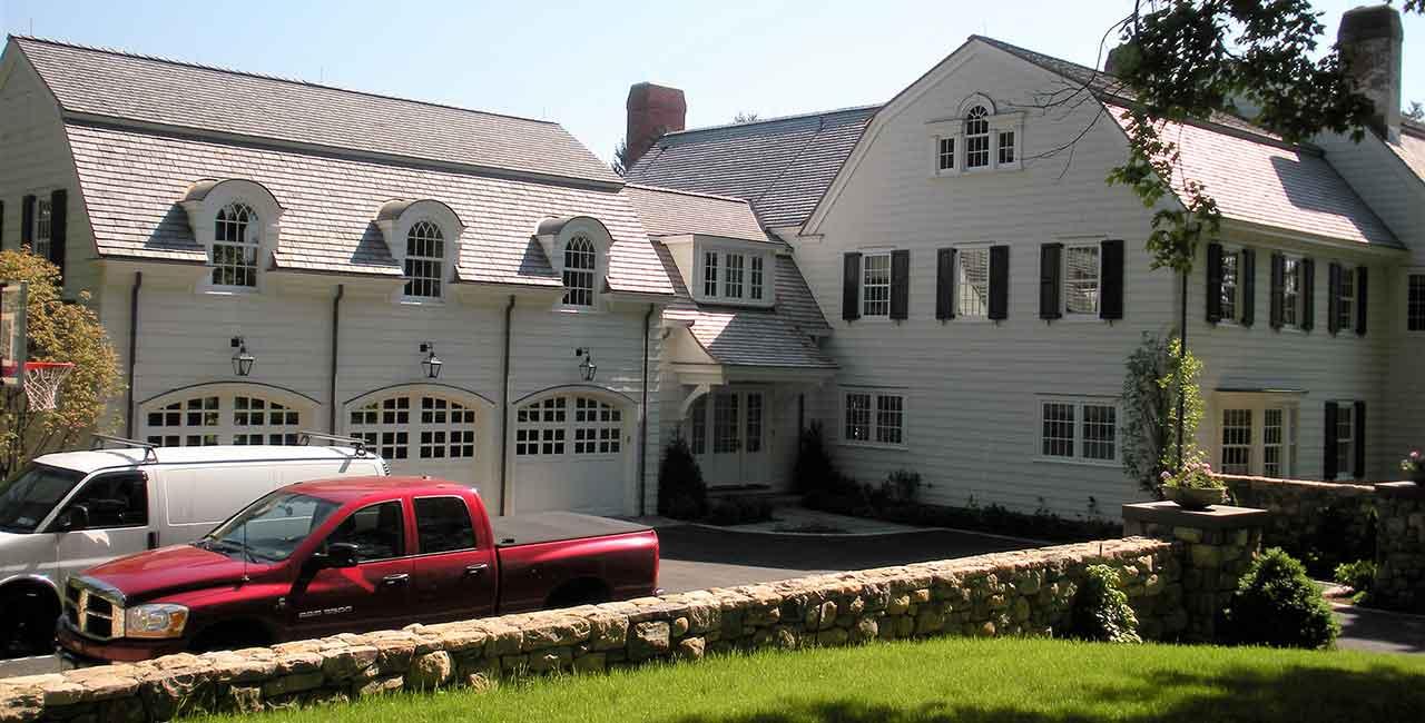 Custom-home-building-3-car-garage-luxury-home